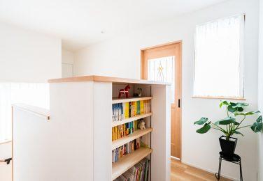 寝る前の読書のための本棚