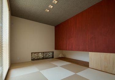大収納のあるシンプルな和室