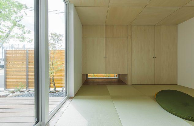 収納たっぷりの明るい和室