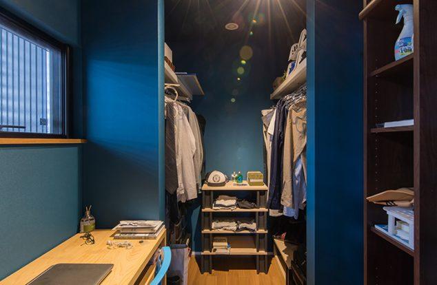 こだわり詰まったブルーな書斎