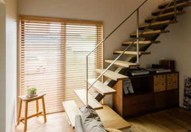 アイアン手摺のリビング階段